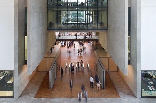 Fashion design universities in london 48
