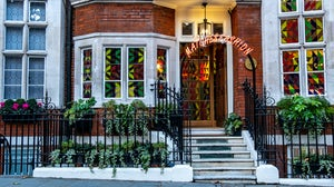 Matchesfashion's Carlos Place townhouse in Mayfair, London. Shutterstock.
