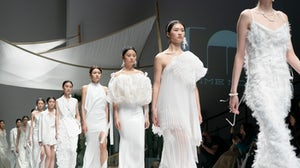 The finale of Comme Moi's AW21 show at Shanghai Fashion Week. Shanghai Fashion Week