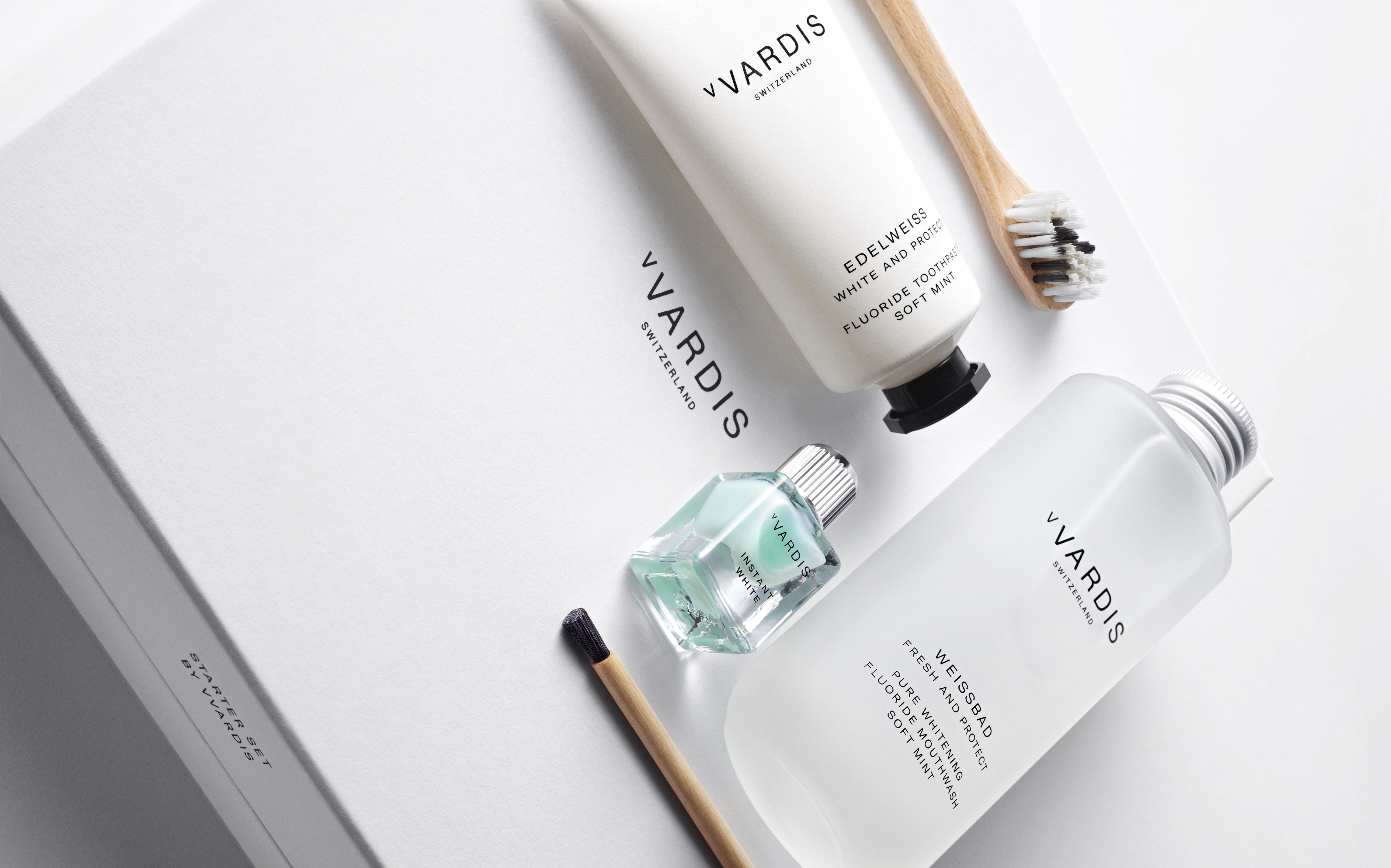 Products from oral care company Vvardis come in luxury company. Vvardis.