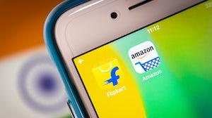 Amazon and Flipkart apps. Shutterstock.