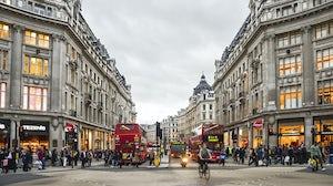 Oxford Circus London. Shutterstock.