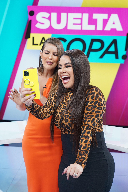 Venezuelan TV presenter Carolina Sandoval (right) on the set of Telemundo\'s \