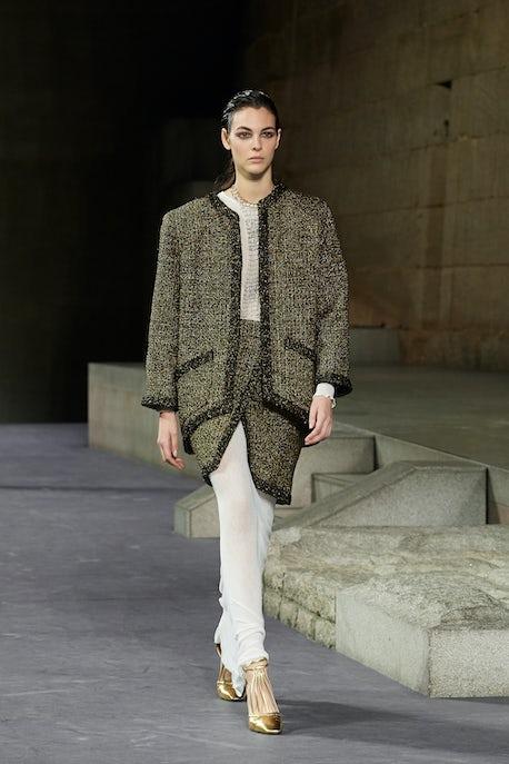 84b9efe34a2c45 Chanel, Mummy-fied. Karl Lagerfeld's latest Métiers d'Arts ...