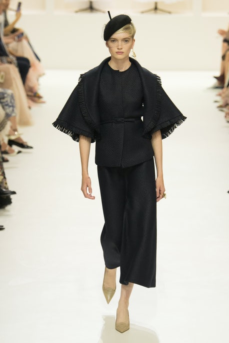 Dior S Avant Garde Rebellion Fashion Show Review Haute Couture Autumn 2018 Bof