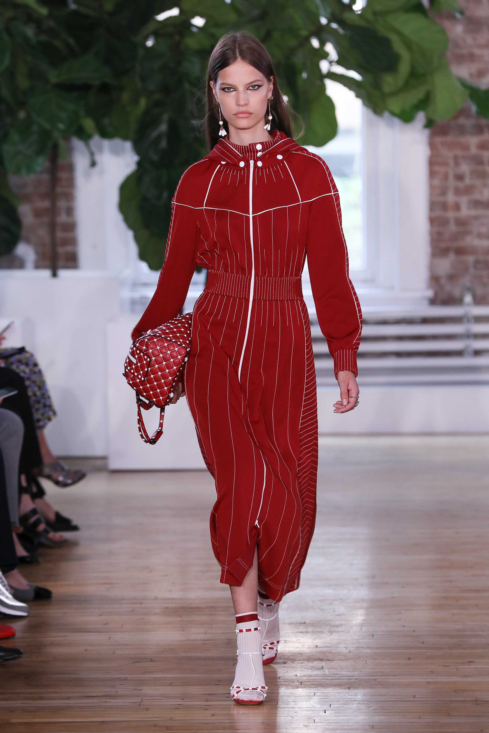 Valentino Spring 2018 Couture Collection - Vogue 72