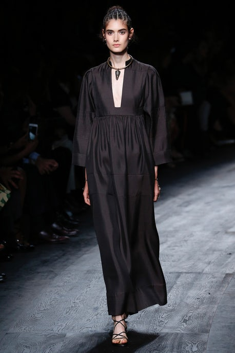 6d0e5f78b02e4 The Human Touch at Valentino | Fashion Show Review, Ready-to-Wear ...