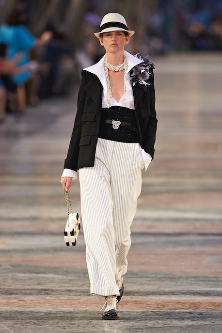 130a36a0 Chanel Cruises into Cuba, a Country on the Cusp | Fashion Show ...