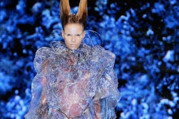 Alexander McQueen Spring Summer 2010 | Source: style.com