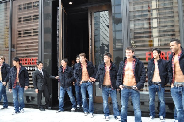 Abercrombie & Fitch, Ginza | Source: Fashionsnap.com