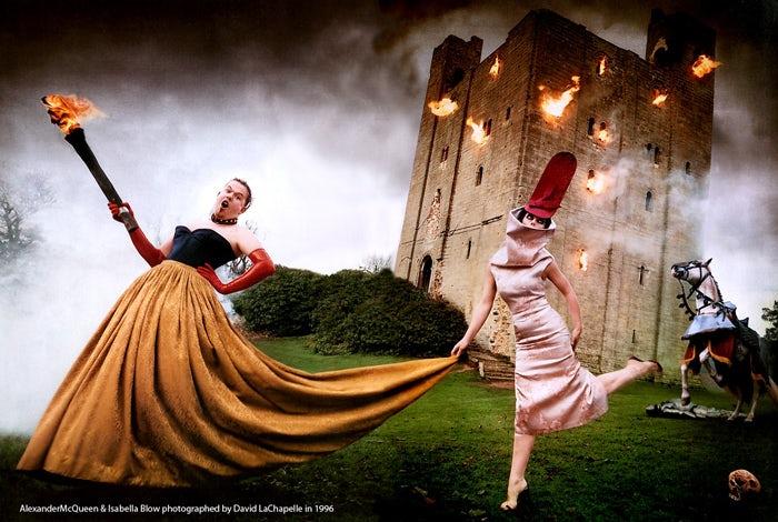 Alexander McQueen and Isabella Blow | Photo: David LaChapelle