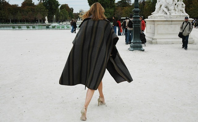 Carine Roitfeld at Paris Fashion Week | Photo: Tommy Ton