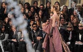 Elle Macpherson at Louis Vuitton A/W 2010 | Source: Fashionising