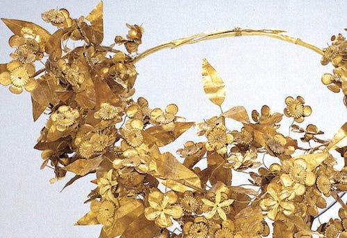 Jewellery of ancient Greece: Gold myrtle wreath | Source: Hellenic Voice