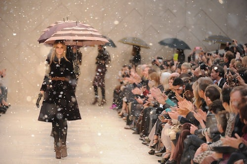 Burberry Autumn/Winter 2012 | Source: Showmoda