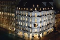 Christian Dior boutique on Avenue Montaigne, Paris | Source: Dior