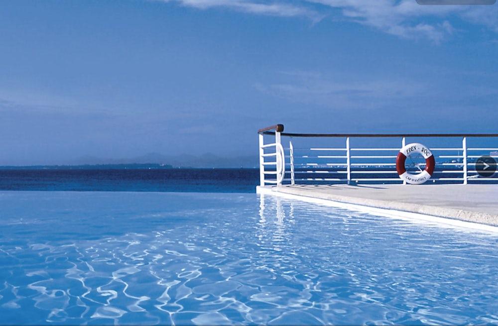 Hotel du Cap Eden Roc Pool | Source: Hotel du Cap Eden Roc