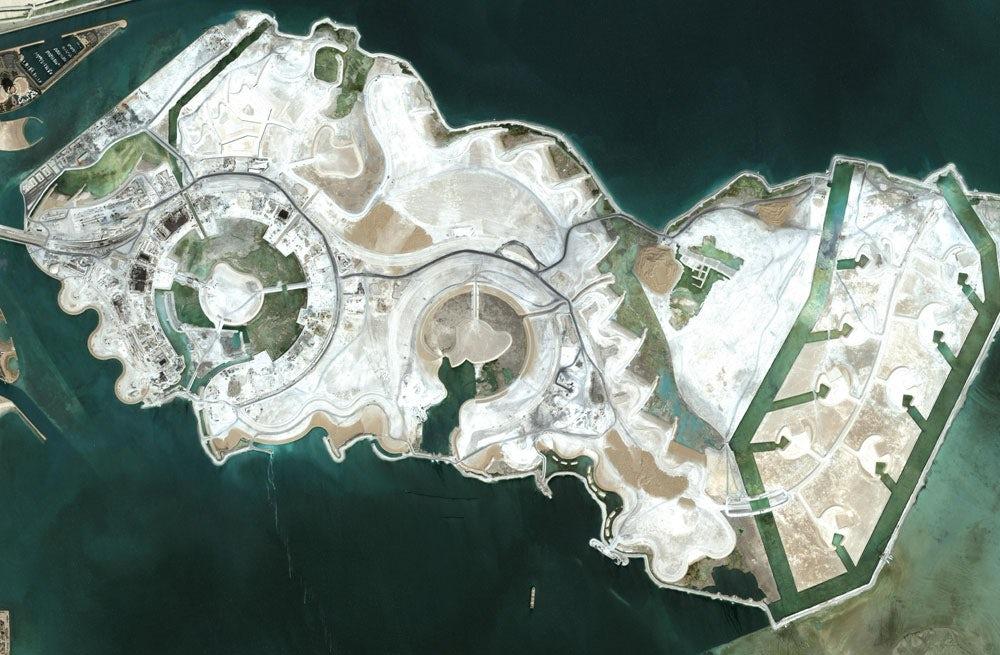 The Pearl development in Qatar | Source: Wikimedia