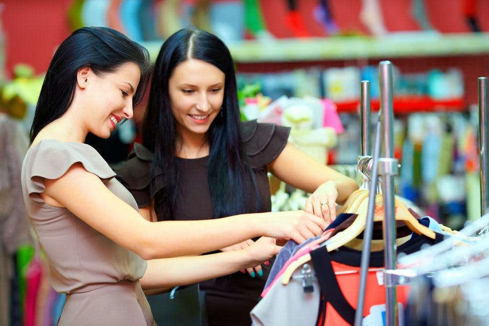 'Showrooming' Hits Luxury Fashion