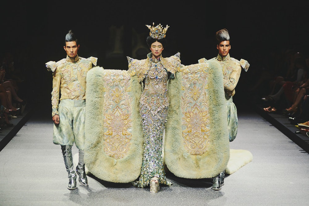 Chinese couturier Guo Pei at Asian Couture Week in Singapore, October 2013 | Source: Asian Couture Week