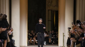 Fausto Puglisi bowing at Emanuel Ungaro show | Source: Nowfashion.com