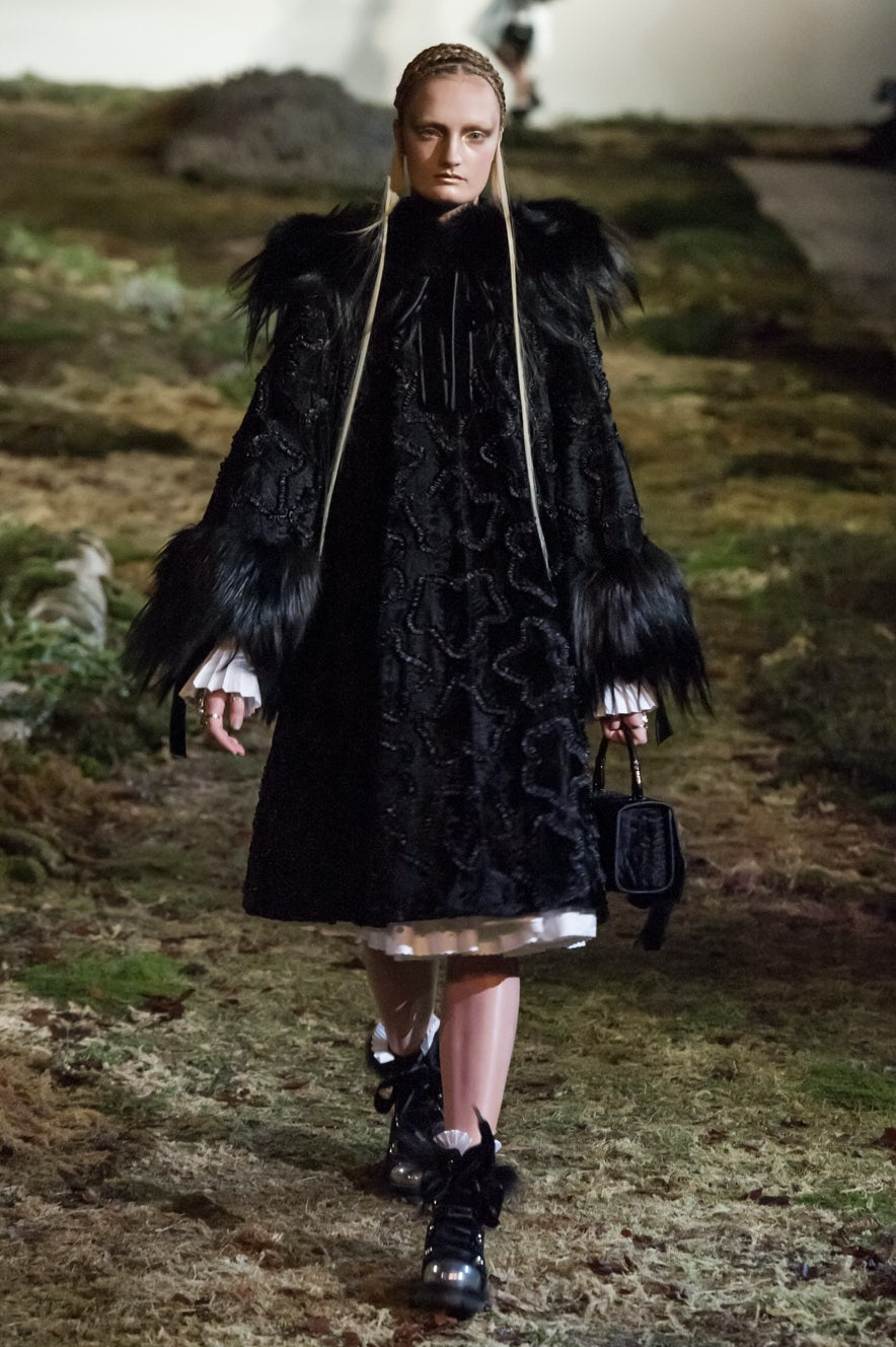 Alexander McQueen Autumn/Winter 2014 | Source: Nowfashion.com