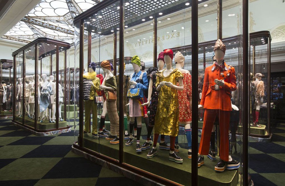 Prada First-Quarter Profit Trails Estimates