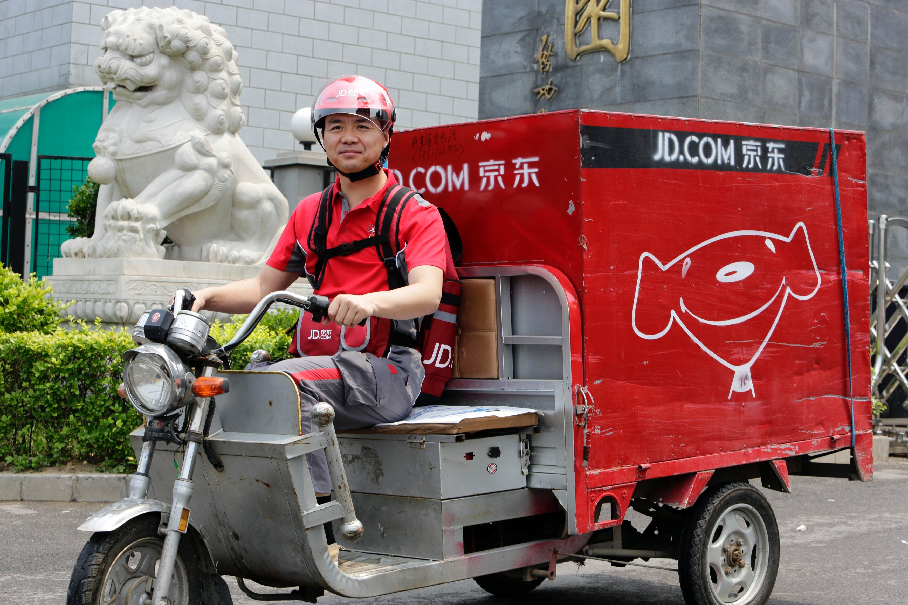 JD.com delivery | Source: Reuters