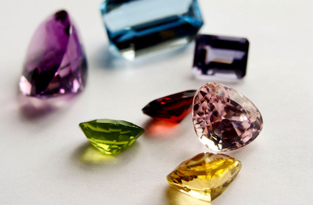Precious gemstones | Source: Flickr/Bored-Now
