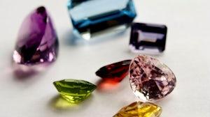 Precious gemstones | Source: Flickr/Bored-Now
