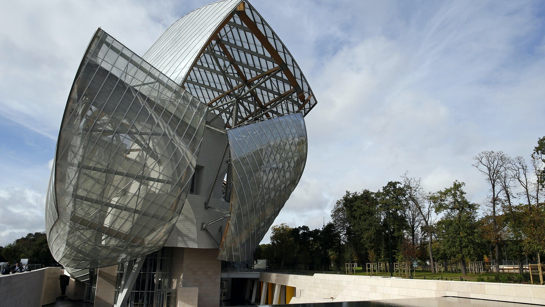 Fondation Louis Vuitton designed by architect Frank Gehry | Source: Reuters