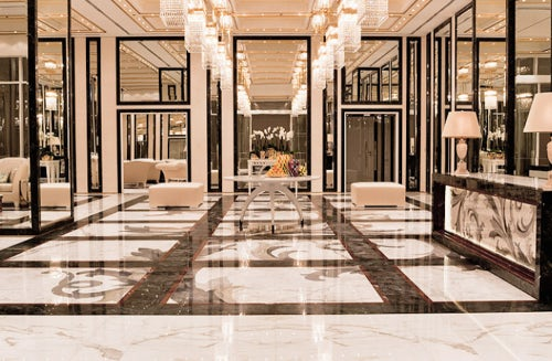 Entrance hall to the Versace Residences in Al Jawharah Tower, Jeddah | Source: Versace