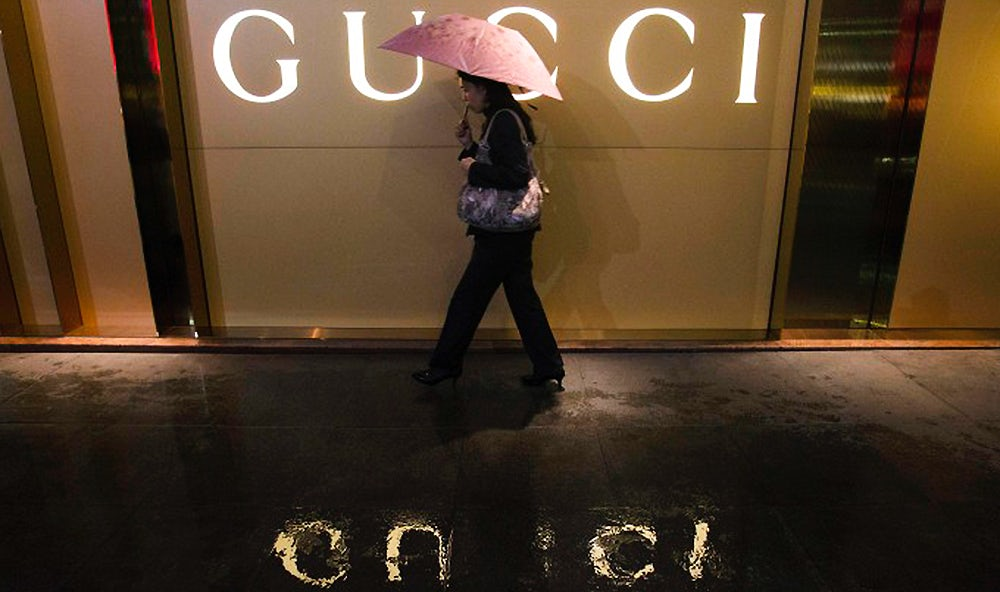 Article cover of European Luxury Stocks Tumble After Weak Chinese Data