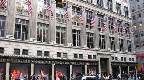 Saks Fifth Avenue Drives Revenue Gains at Hudson s Bay  e4870cb014c8