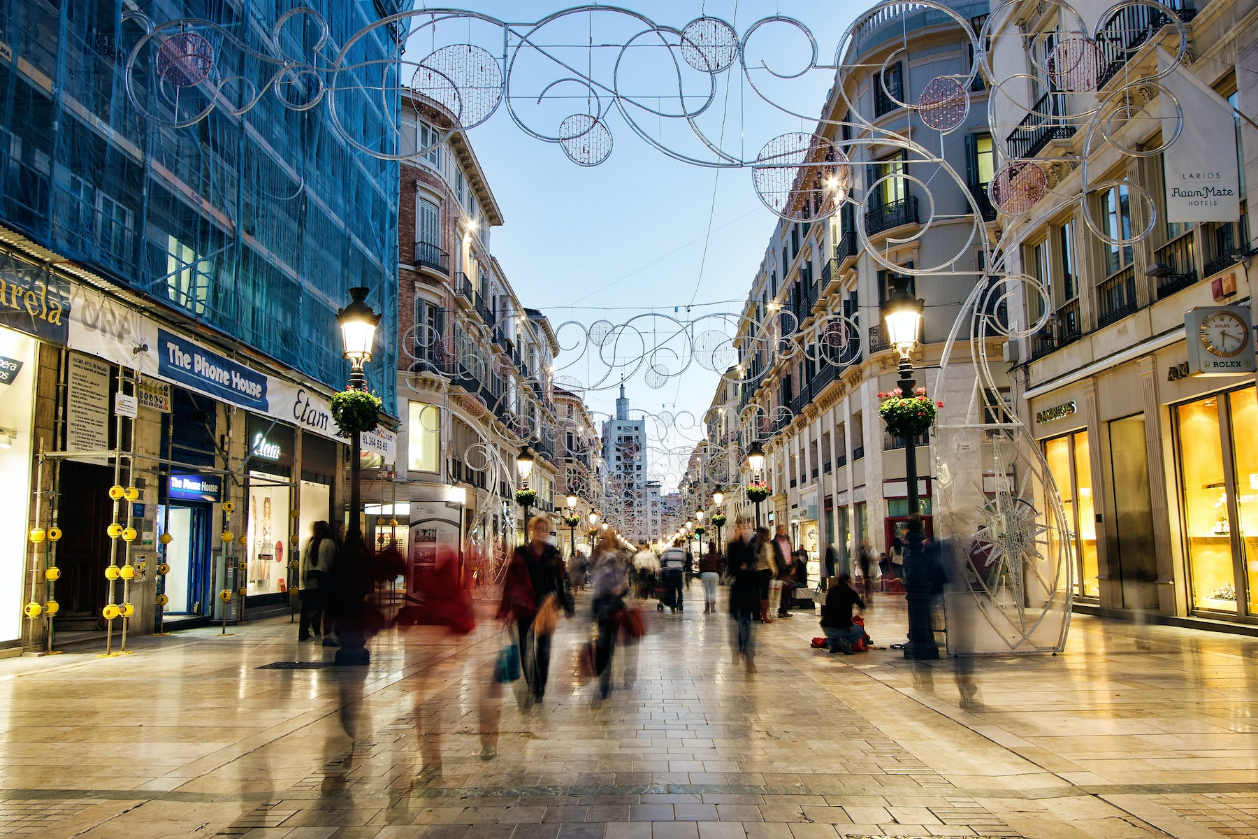 A city shopping street | Source: Shutterstock/Steven Bostock
