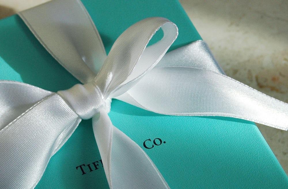 Tiffany & Co box | Source: Flickr/Minxlj