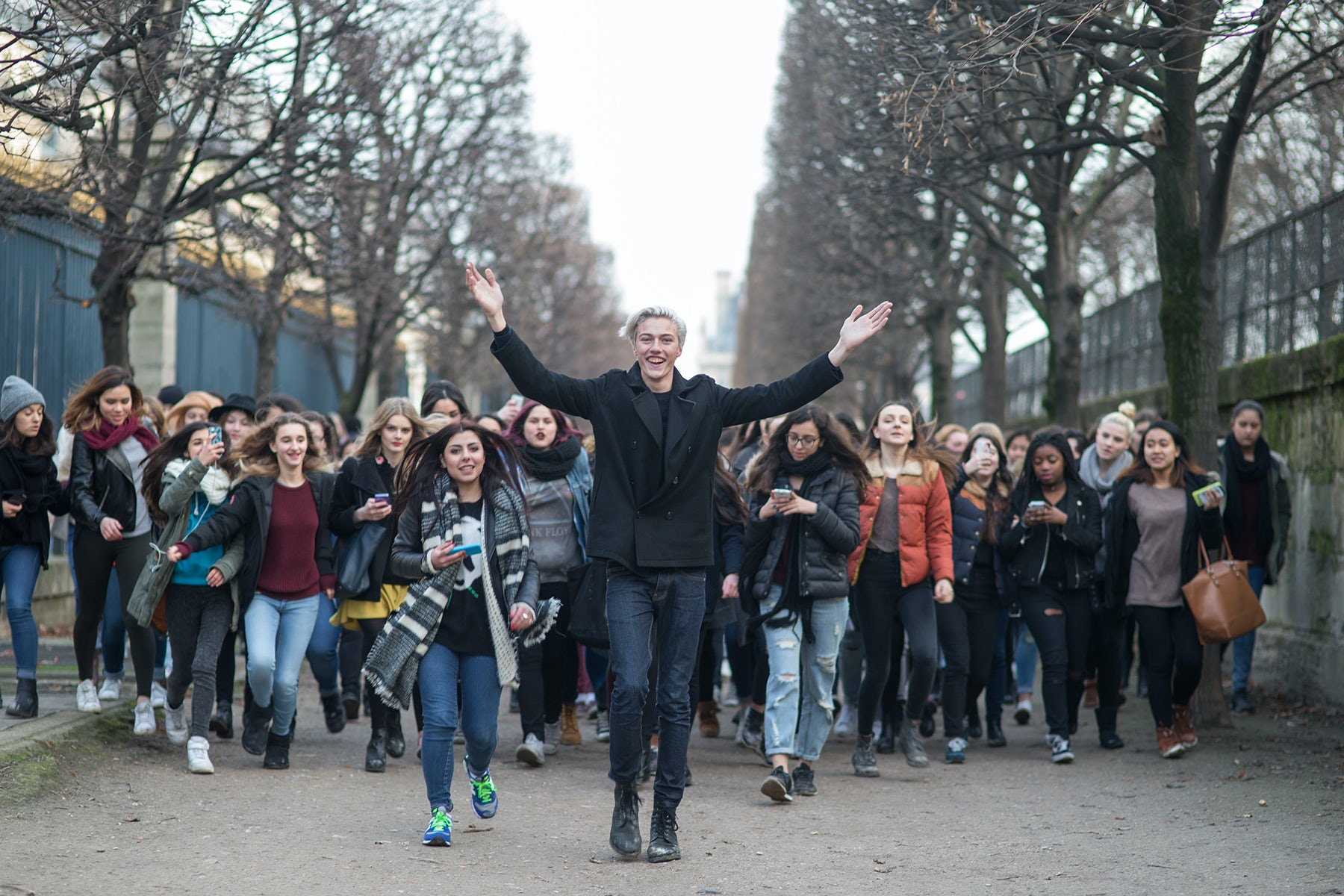 Lucky Blue Smith followed by fans at the Tuileries Garden in Paris | Source: Michael Dumler (On Abbot Kinney)