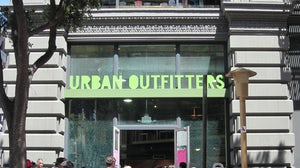 Urban Outfitters store | Source: Wikimedia