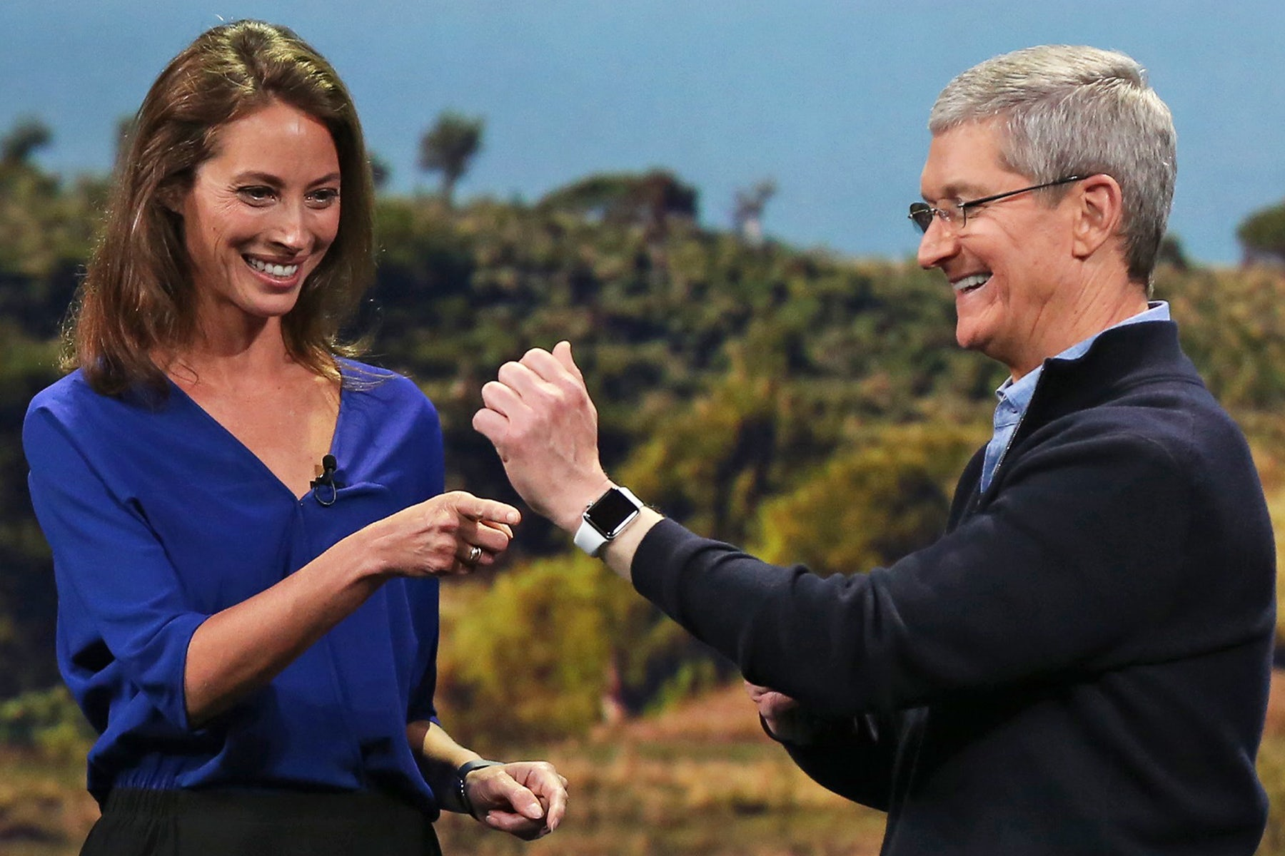 Model Christy Turlington Burns and Apple CEO Tim Cook | Source: Reuters