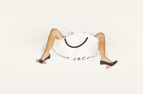 Victoria Beckham, Legs, bag and shoes, Marc Jacobs Campaign Spring Summer 2008, LA 2007 | Photo: Juergen Teller