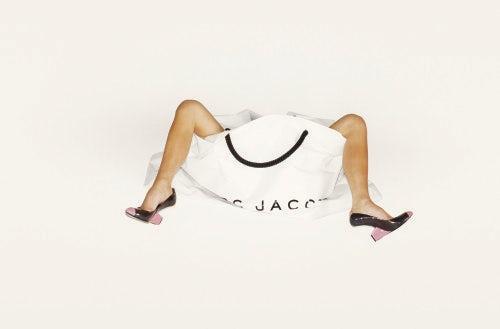 Victoria Beckham, Legs, bag and shoes, Marc Jacobs Campaign Spring Summer 2008, LA 2007 | Photo: Juergen Teller
