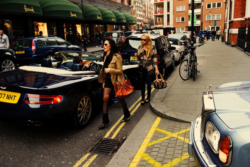 Two shoppers outside Harrods | Source: Chris JL
