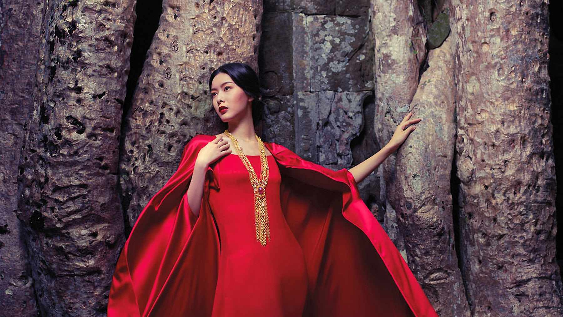 PROM DRESSING - Magazine cover