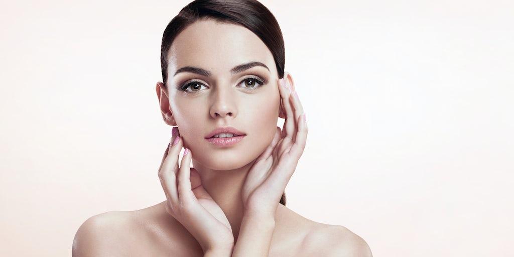 Makeup Mavens Meet Selfie Snappers in Shopfront Surge
