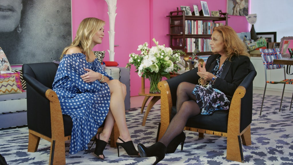 Karlie Kloss and Diane von Fürsternberg talk on a M2M show | Source: Courtesy