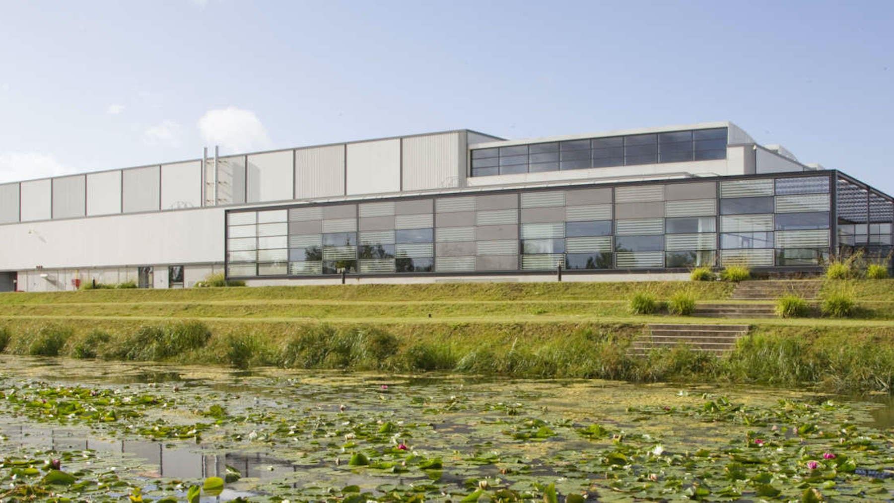 LVMH logistics centre, Eole, France | Source: Louis Vuitton Malletier/Mazen Saggar