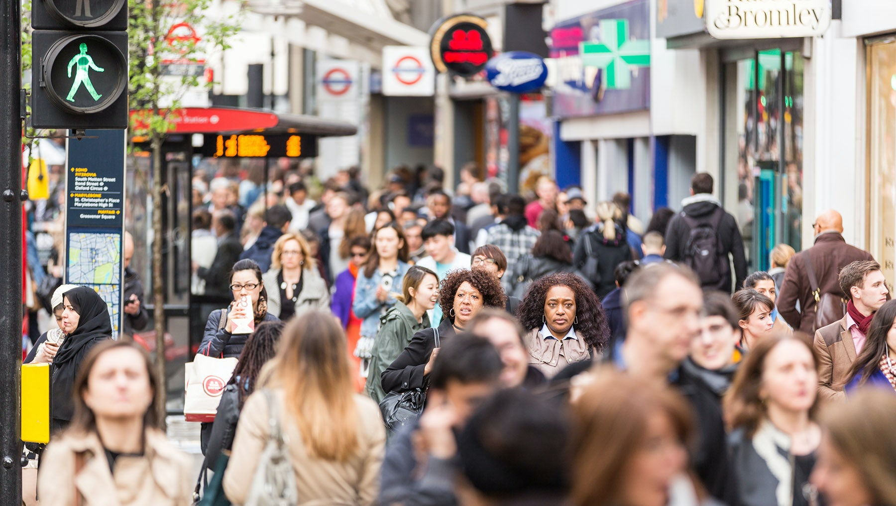 UK's November Shopper Numbers Fall Worst for a Decade