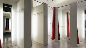 Fitting room | Source: Shutterstock