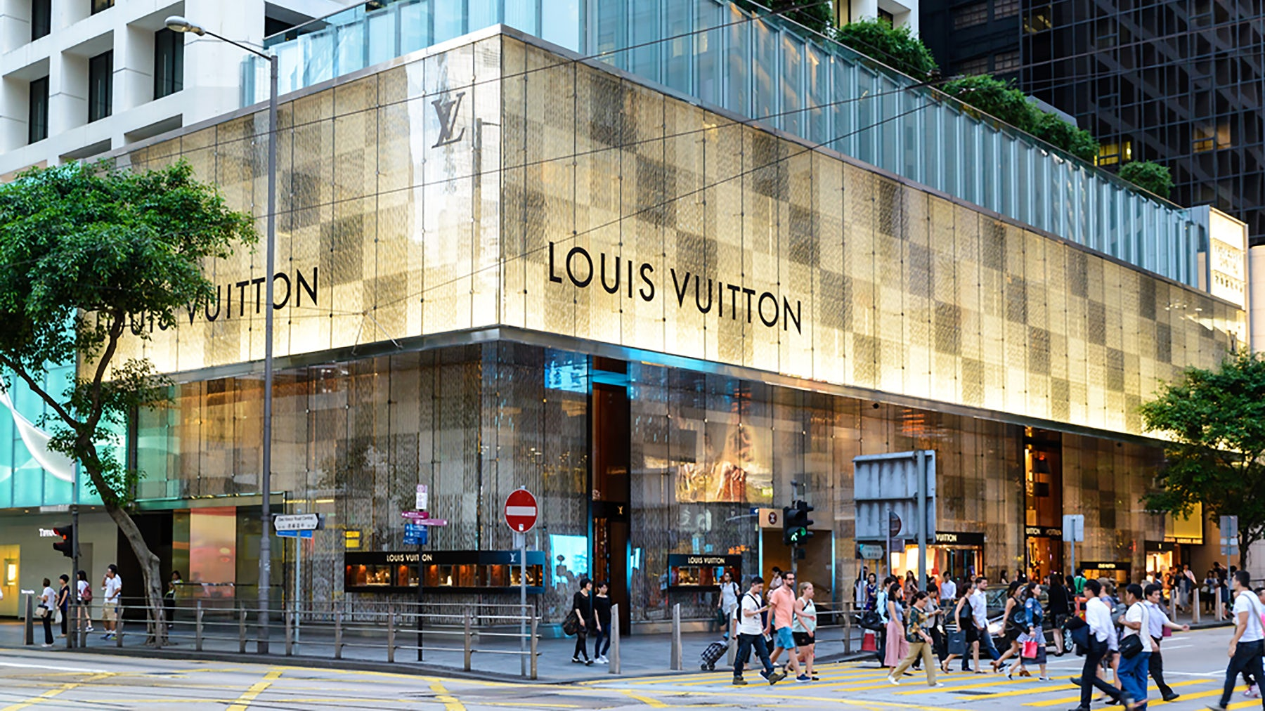 Louis Vuitton store in Hong Kong | Source: Shutterstock