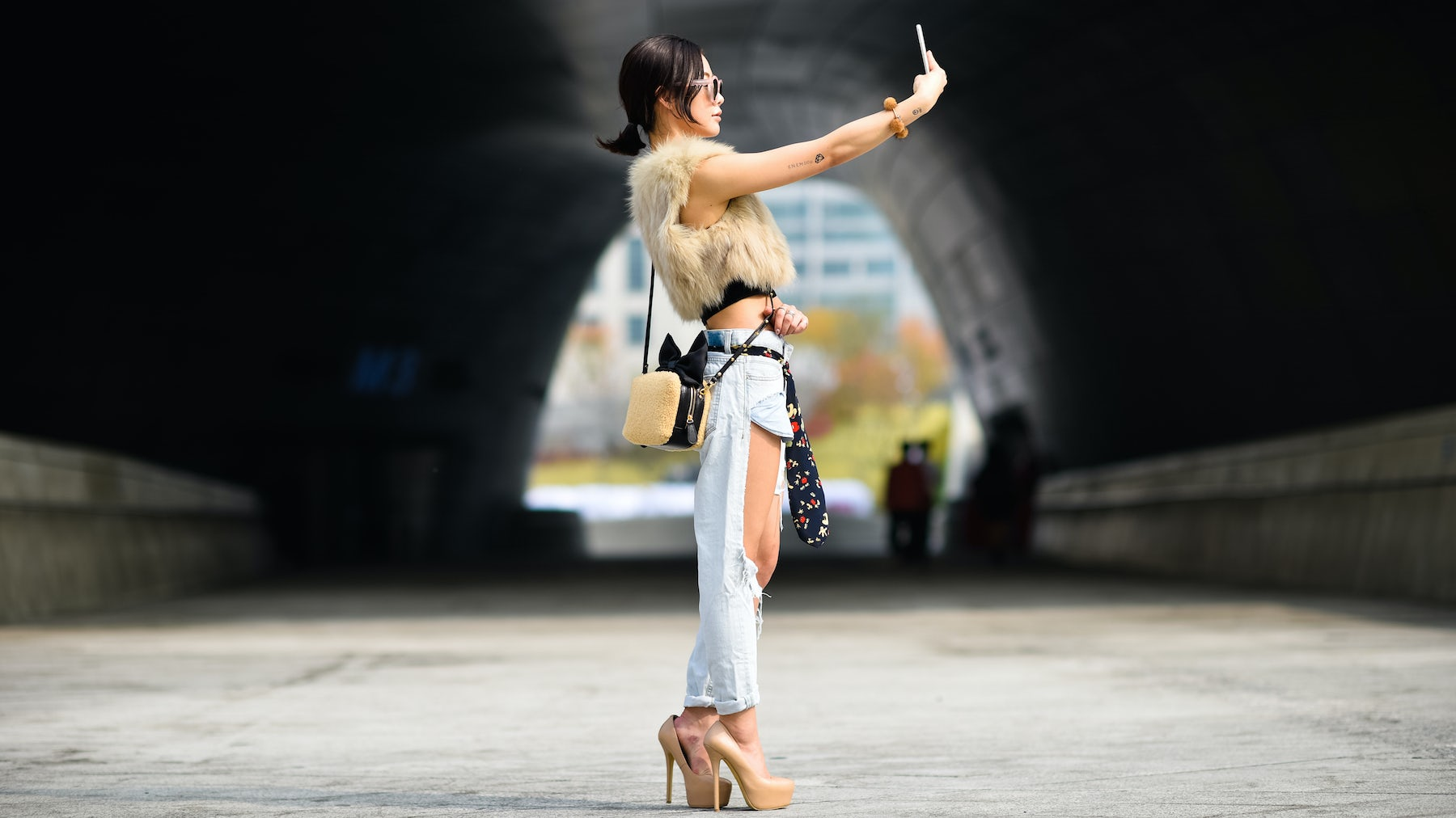 Street style at Seoul Fashion Week | Photo: Hugo Lee